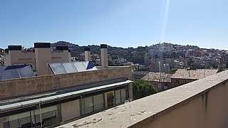 alquiler tico en carrer gomis luminoso y precioso tico con terraza