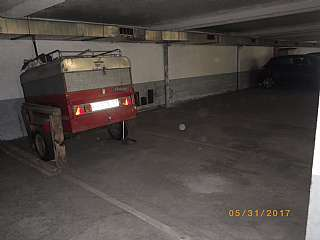 Parking coche en Carrer carme, 5. Parkings en venda