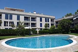 Lloguer Apartament a Avinguda vall de ribes, 0. Situado cerca del port d´aro