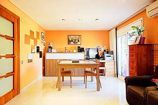 Piso en Carrer empordà, 14. ¡espectacular piso totalmente exterior!