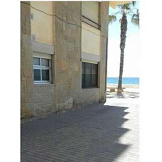 Planta baja en Perez galdos, 2. Apartamento en barrio marítimo 1º linea de mar.