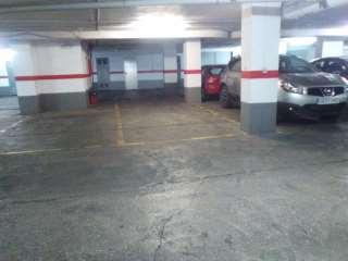 Alquiler Parking coche en Plaza poeta vicente gaos, 3. Garage amplio