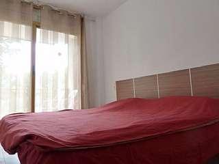 Rental Flat in Carrer del vendrell, 19. Apartamento de dos habitación, un baño, pasillo