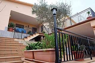 Villa in Carrer ginesta, 2. Fantástica torre a minutos del centro y la playa