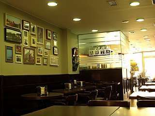 Rental Bar in Carrer raurich, 17. Se vende/alquila local con licencia de bar