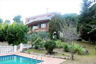 Casa en Plaça maragall,. Preciosa casa unifamiliar en Bellaterra