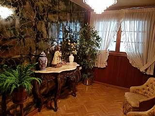 Piso en Alameda jaime i, pasaje leon, escalera b,. Excelente piso, muy grande y centrico