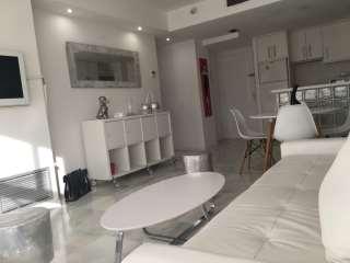 Rental Apartment in Avinguda 8 d´agost, 9. Situacion inmejorable, moderno apartamento