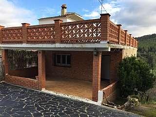 Casa en Carrer pineda, 89. Casa con vistas a la montañas del garraf