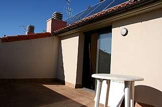 Alquiler �tico en Carrer albinyana, 29. �tic  duplex, 2 hab. pati i terrassa. amb encant!!