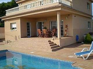 Casa en Carrer aigua blava, 2. Preciosa casa unifamiliar venta cunit