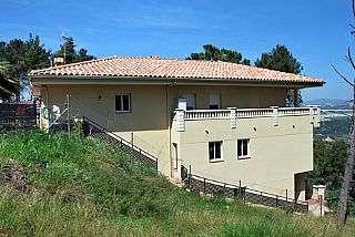 Casa en Carrer moss�n dami�, 10. Casa muy soleada vivienda a nivel de calle