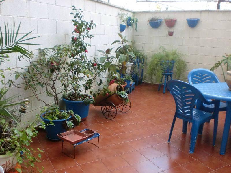 Planta baja por piso solo 9 a os nuevo para for Cocinas con salida al patio